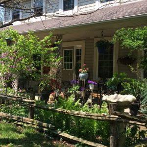 front-porhand-garden